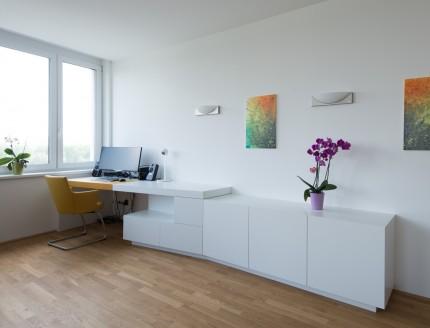 Wohnung in Klosterneuburg - Schreibtisch, Sideboard